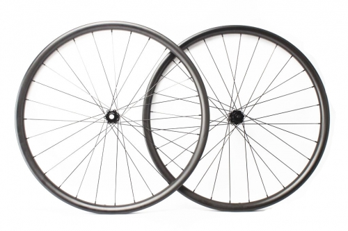 Asymmetric 29er Ultralight MTB DT240 EXP Built wheelset