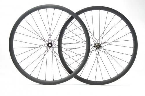 Gravel Wheelset built with Novatec D411/412SB Straight Pull Disc hub